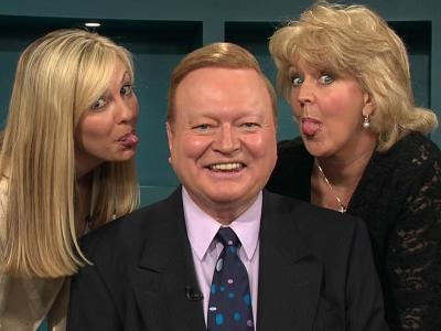 Wallpaper - Ann-Maree & Patti Newton put Bert in his place